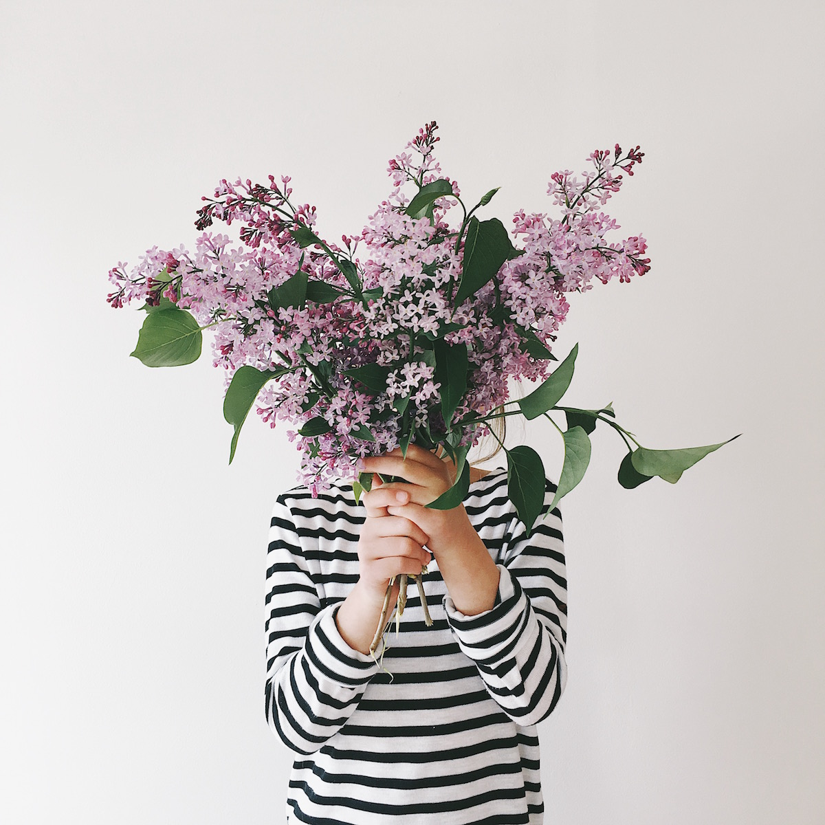 Ideas for Instagram photo props & hashtags -faceless portrait with flowers