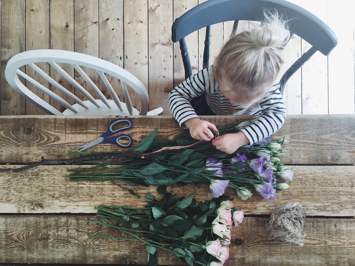 Tutorial: DIY Hanging Flower Decoration