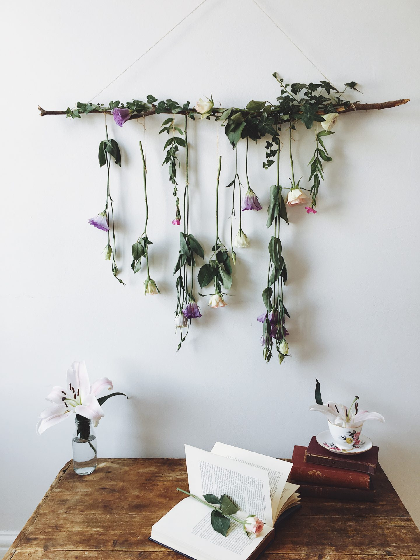 Tutorial – How to make a Hanging Flower Decoration